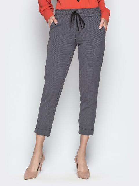 Чёрные брюки в клетку с отворотами и резинкой по талии - 21282, фото 1 – интернет-магазин Dressa