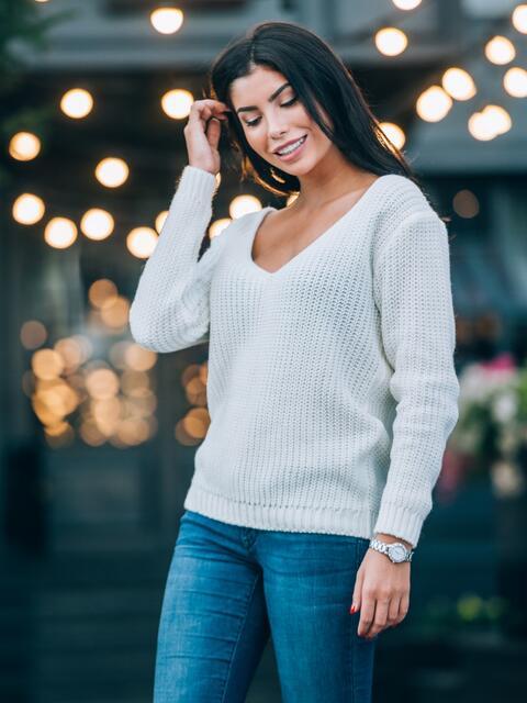Джемпер чулочной вязки с вырезом на спинке белый - 16104, фото 1 – интернет-магазин Dressa