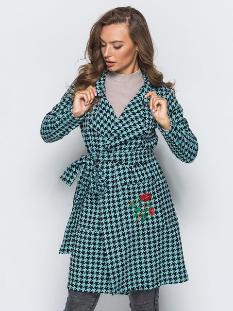 Кардиган с вышивкой на кармане и с поясом бирюзово-черный - 15740, фото 1 – интернет-магазин Dressa