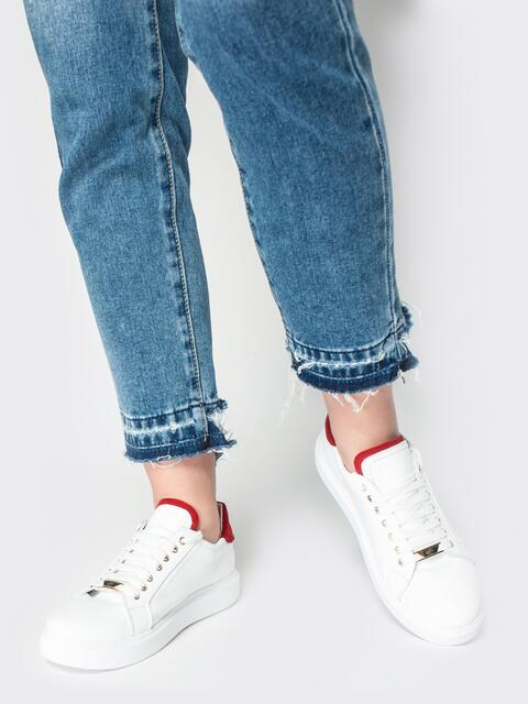 Низкие кеды белого цвета с контрастными вставками - 21423, фото 1 – интернет-магазин Dressa