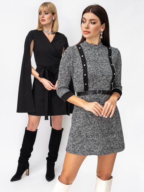 Платье-мини приталенного кроя с окантовкой серое 53068, фото 1
