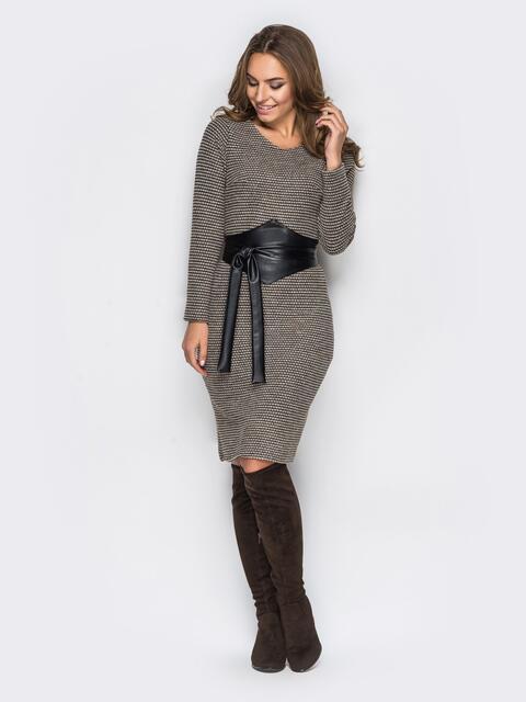 Коричневое платье с поясом из искусственной кожи - 13859, фото 1 – интернет-магазин Dressa