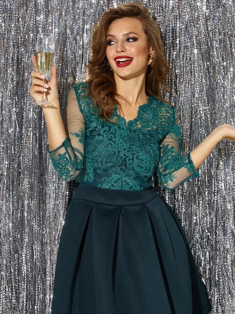 Платье с кружевным верхом и расклешенной юбкой зеленое - 42892, фото 1 – интернет-магазин Dressa