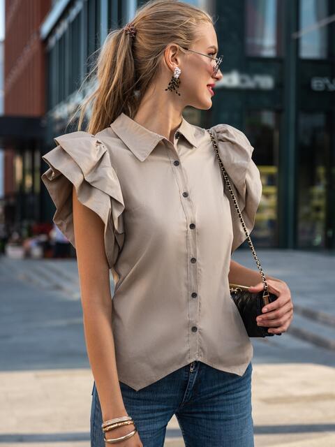 Приталенная блузка с объемными рукавами из воланов бежевая 49775, фото 1