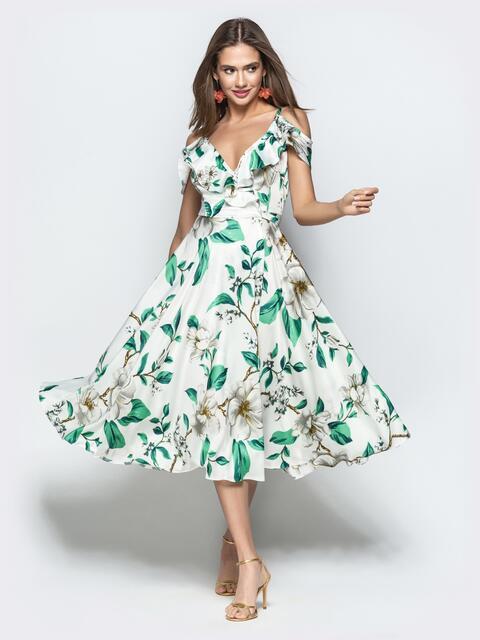 Принтованное белое платье на тонких бретелях с оборками - 22063, фото 1 – интернет-магазин Dressa