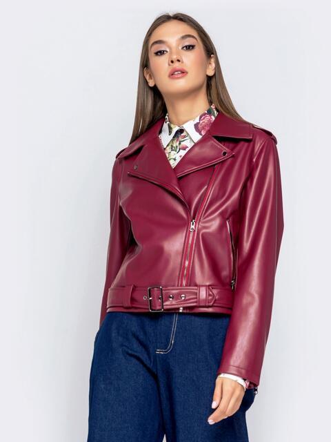 Бордовая косуха из эко-кожи с поясом - 40994, фото 1 – интернет-магазин Dressa