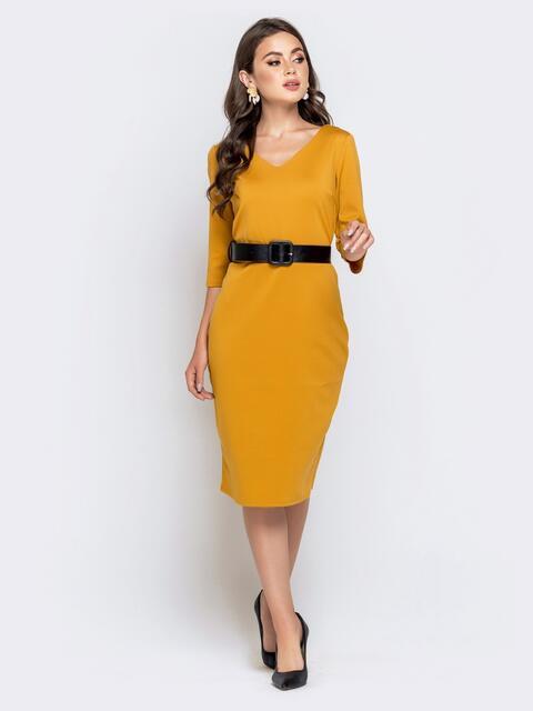 Горчичное платье-миди с рукавом 3/4 и V-вырезом - 40214, фото 1 – интернет-магазин Dressa