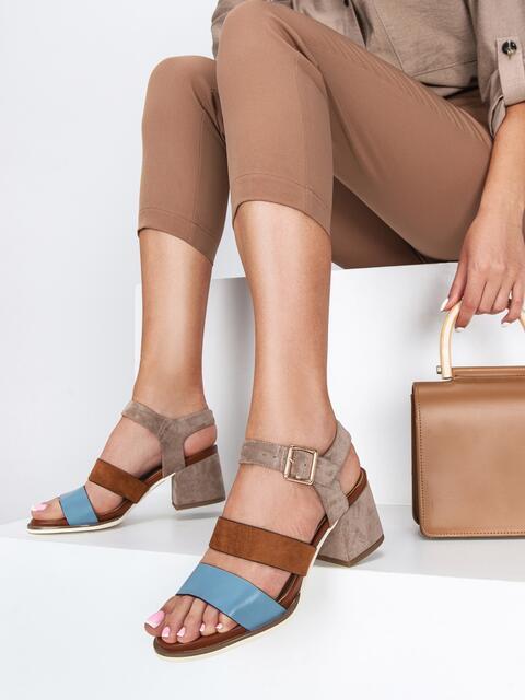 Коричневые босоножки на каблуке с застёжкой  - 49758, фото 1 – интернет-магазин Dressa