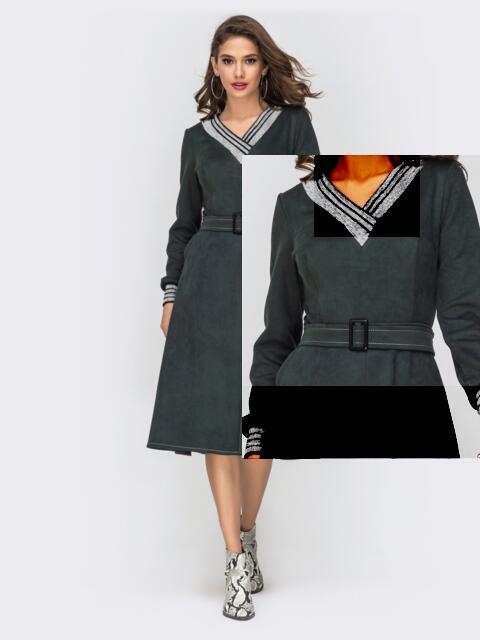 Зелёное платье из замши с расклешенной юбкой - 42019, фото 4 – интернет-магазин Dressa
