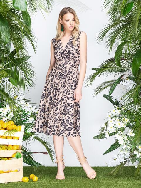 e88bf33d3e3 Бежевое платье с анималистичным принтом и юбкой-полусолнце - 21554