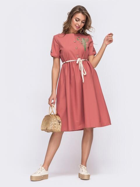 Льняное платье кораллового цвета с вышивкой по полочке 48165, фото 1