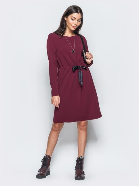 f333568082c Платье бордового цвета из креп-дайвинга с кулиской на поясе - 17568
