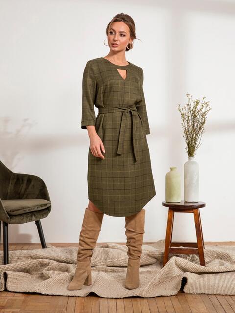 Платье из костюмной ткани с вырезом на горловине цвета хаки 44218, фото 1