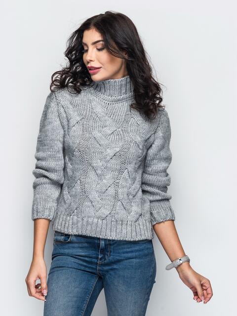 Свитер с объемной горловиной и рельефной вязкой на полочке серый - 13020, фото 1 – интернет-магазин Dressa