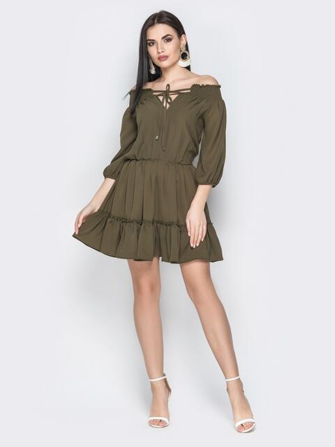 """Платье цвета хаки с воротником """"анжелика"""" и юбкой-клёш - 20728, фото 1 – интернет-магазин Dressa"""