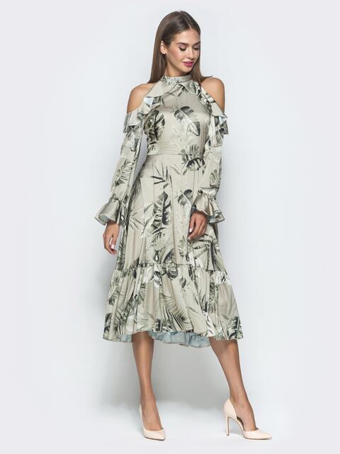 Шелковое платье цвета хаки с принтом и открытыми плечами - 40119, фото 1 – интернет-магазин Dressa