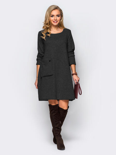 Тёмно-серое трикотажное платье-трапеция с необычным карманом на полочке 43118, фото 1