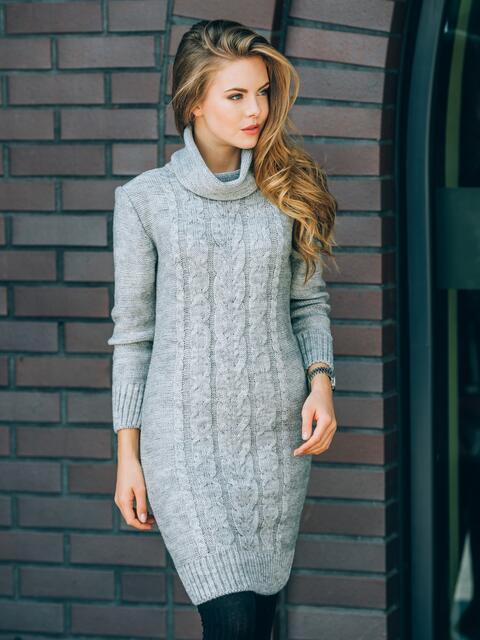 Вязаное платье с воротником-хомут серое - 13163, фото 1 – интернет-магазин Dressa