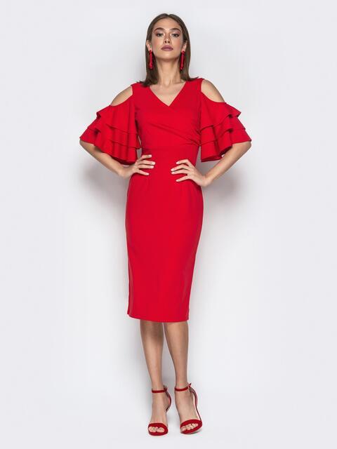 Красное платье-футляр с многослойными воланами на рукавах - 20377, фото 1 – интернет-магазин Dressa