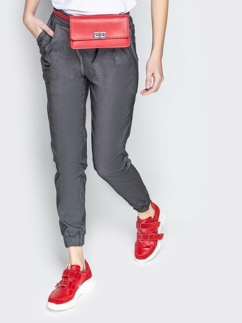 Брюки из черного джинса с резинкой по талии и низу - 21055, фото 1 – интернет-магазин Dressa