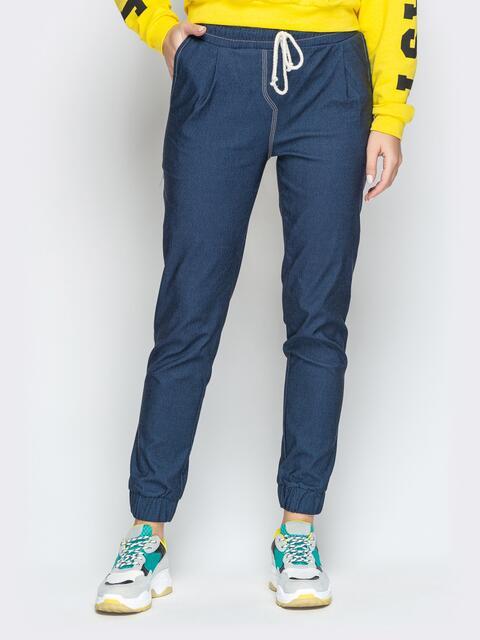 Брюки из синего джинса с резинкой по талии и низу - 21056, фото 1 – интернет-магазин Dressa