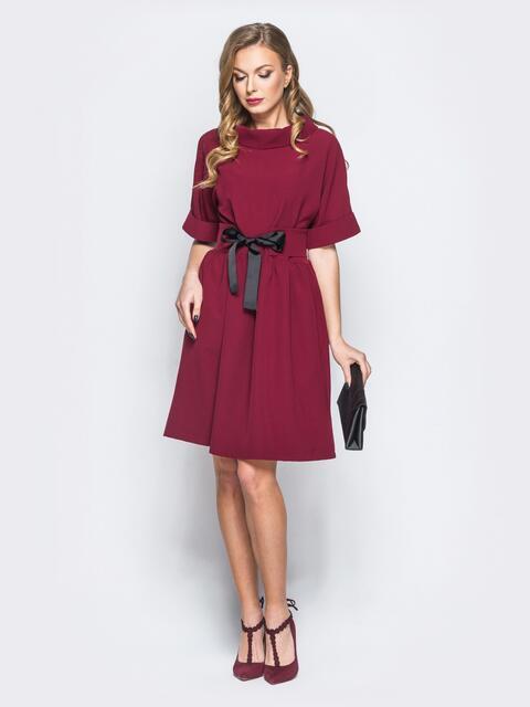 Платье из костюмной ткани с втачным поясом бордовое - 18221, фото 1 – интернет-магазин Dressa