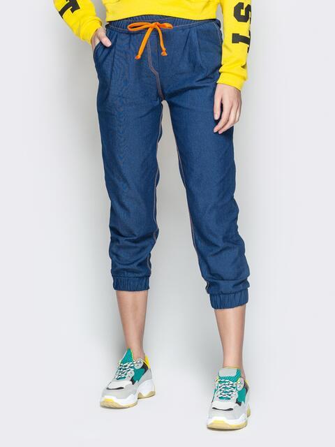 Укороченные брюки из синего джинса с резинкой по талии - 21057, фото 1 – интернет-магазин Dressa