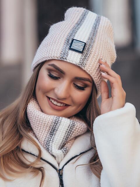 Комплект с контрастной вязкой из шапки и хомута пудровый - 40444, фото 1 – интернет-магазин Dressa
