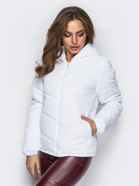 Белая куртка с капюшоном и манжетами на резинке - 12955, фото 1 – интернет-магазин Dressa