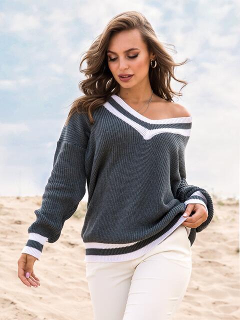 Серый свитер свободного кроя с контрастными вставками - 41576, фото 1 – интернет-магазин Dressa