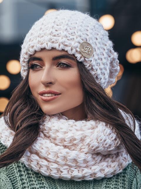 Комплект из шапки и снуда с контрастной нитью бело-розовый - 15542, фото 2 – интернет-магазин Dressa