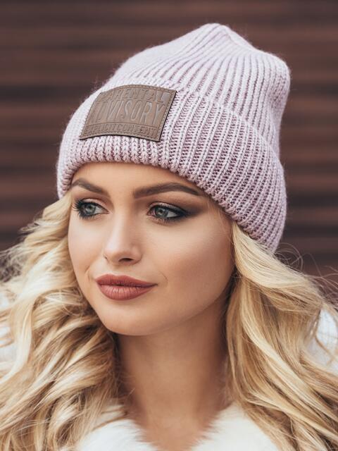 """Сиреневая шапка с нашивкой """"advisory"""" - 15381, фото 2 – интернет-магазин Dressa"""