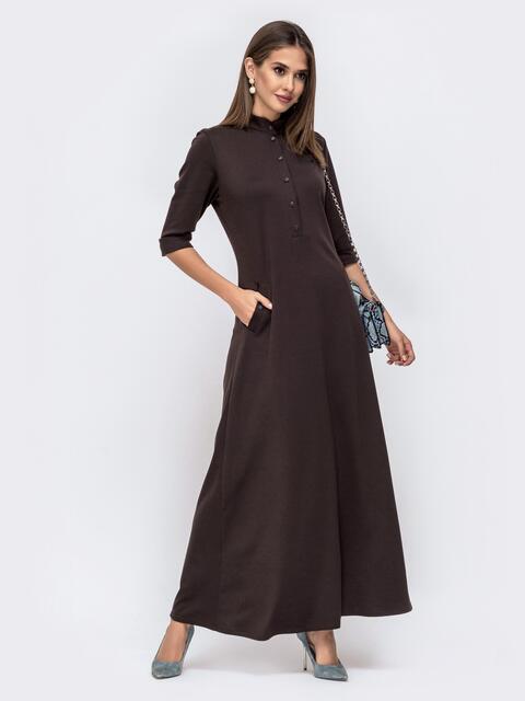 Приталенное платье-макси с карманами коричневого 41496, фото 1