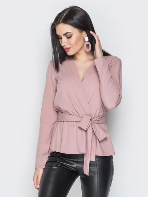 Пудровая блузка из сатина с запахом на поясе - 20719, фото 1 – интернет-магазин Dressa