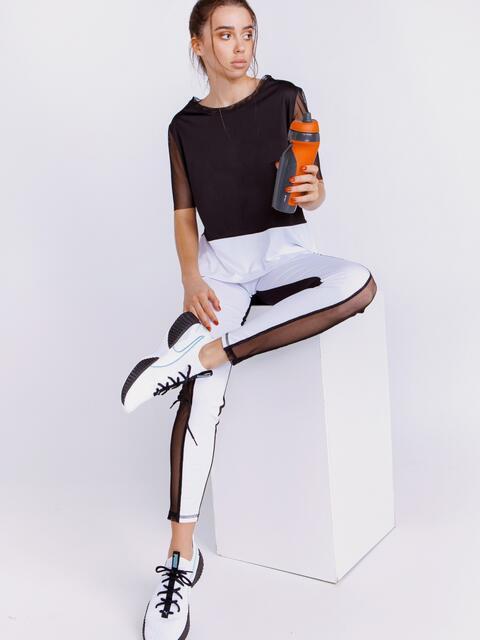 Спортивный комплект с разрезами по футболке чёрный - 44442, фото 1 – интернет-магазин Dressa