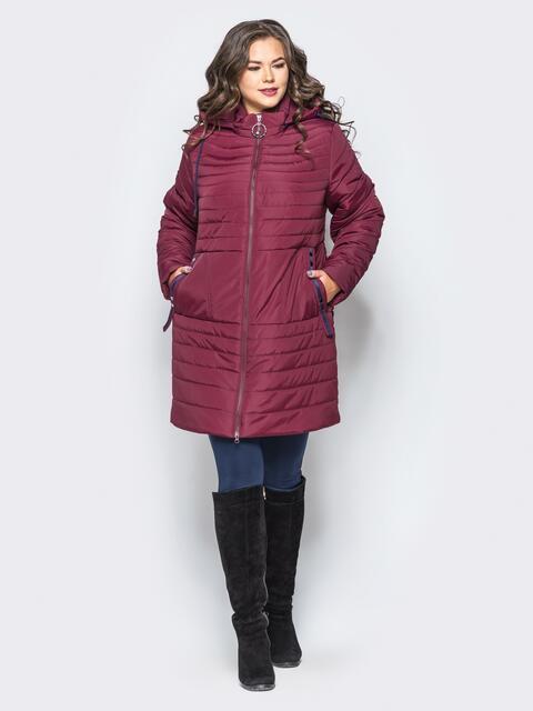 Удлиненная куртка со съемным капюшоном и заклёпкой на карманах бордовая - 16954, фото 1 – интернет-магазин Dressa