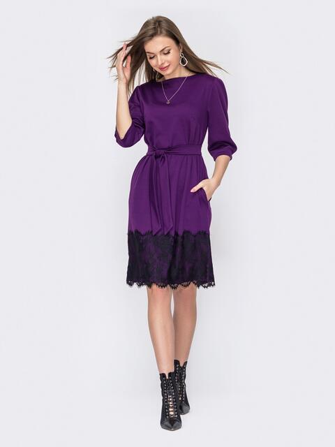 Платье прямого кроя с кружевом по низу фиолетовое 53015, фото 1