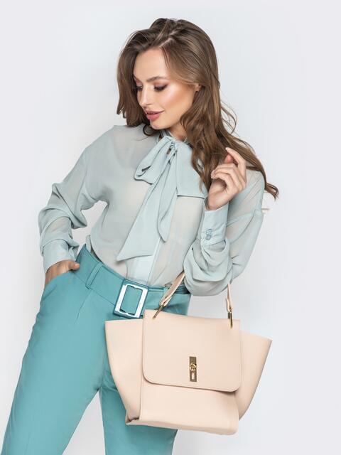 Вместительная сумка бежевого цвета на клапане - 21456, фото 1 – интернет-магазин Dressa