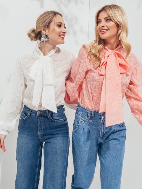 Фактурная блузка розового цвета с воротником-аскот 45570, фото 1