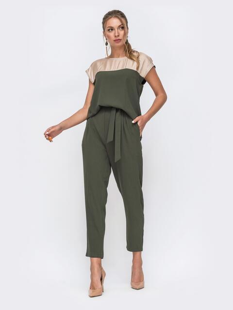 Комплект из блузки с контрастной кокеткой и брюк хаки 49422, фото 1