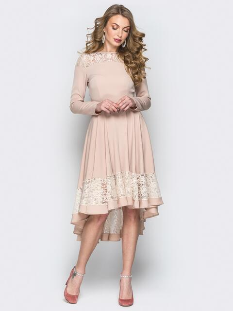 Бежевое платье приталенного кроя с гипюровыми вставками - 20179, фото 1 – интернет-магазин Dressa