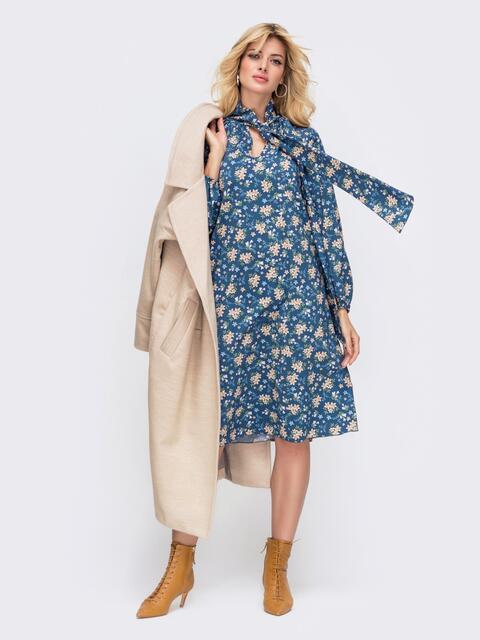 Синее платье в цветочный принт с воротником-аскот 50470, фото 1