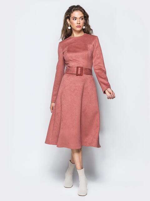 Замшевое платье розового цвета с расклешенным низом 17246, фото 1
