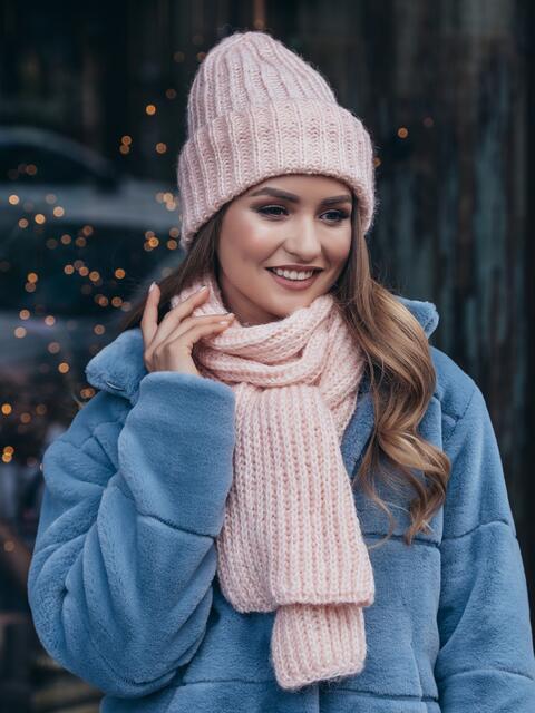 Пудровый комплект с люрексом из шапки и шарфа - 40346, фото 1 – интернет-магазин Dressa