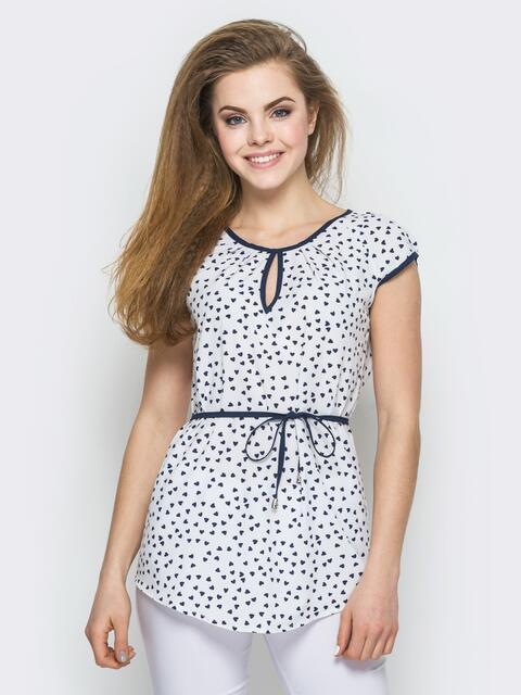 Белая принтованная блузка с контрастной окантовкой - 12322, фото 1 – интернет-магазин Dressa