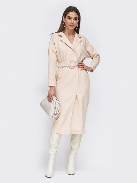 Платье с лацканами и широким поясом светло-бежевое - 44777, фото 1 – интернет-магазин Dressa