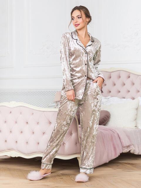 Розовая пижама из велюра с окантовкой на рубашке и брюках - 18944, фото 1 – интернет-магазин Dressa