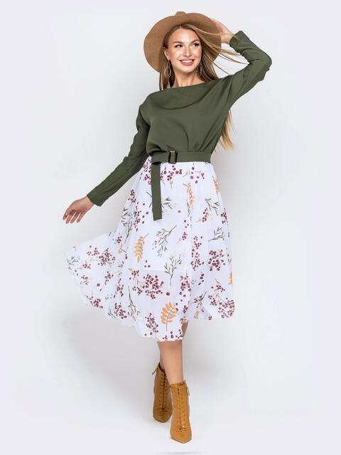 Платье с напуском по талии и принтованной юбкой хаки - 40813, фото 1 – интернет-магазин Dressa