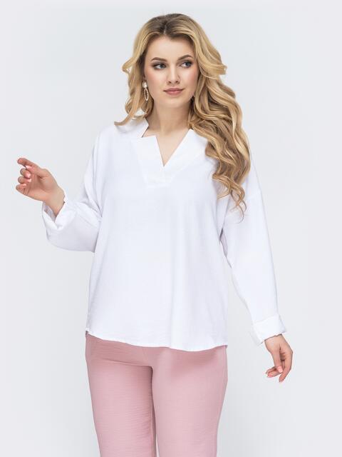 Свободная блузка батал с фигурным вырезом белая 45228, фото 1
