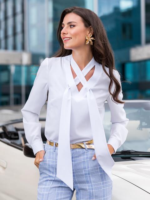 Блузка белого цвета с V-вырезом и завязками - 40096, фото 1 – интернет-магазин Dressa